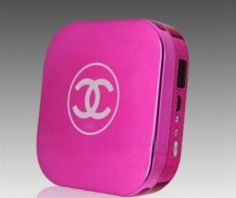 Power Bank Chanel - Пудреница Внешняя Батарея На 10400 Mah (Фуксия)